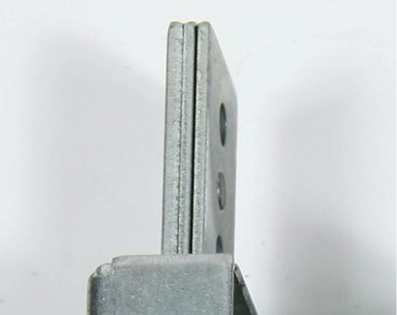 Les pênes dormants des serrures blindées 1.8270 ont une épaisseur de 6,5 mm, afin de contrer efficacement les tentatives de forçage.
