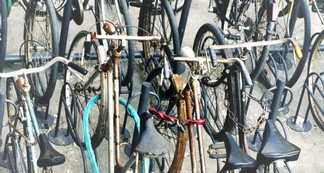 Acheter un cadenas qui coûte plus que le vélo : absurdité ou choix judicieux ?